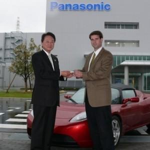 """Panasonic """"дружит"""" с Tesla"""