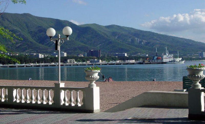 gelendgik beach