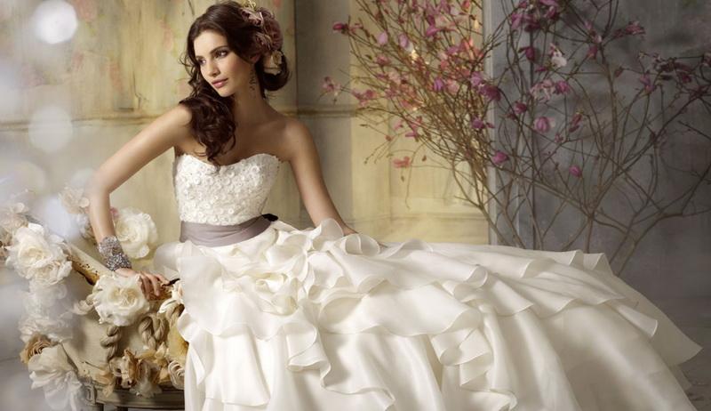 Свадебное платье. Какое оно было в прошлом веке?