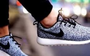 Женская спортивная обувь для бега