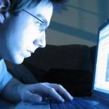 Интернет-мошенники: на что попадаются мужчины и женщины?
